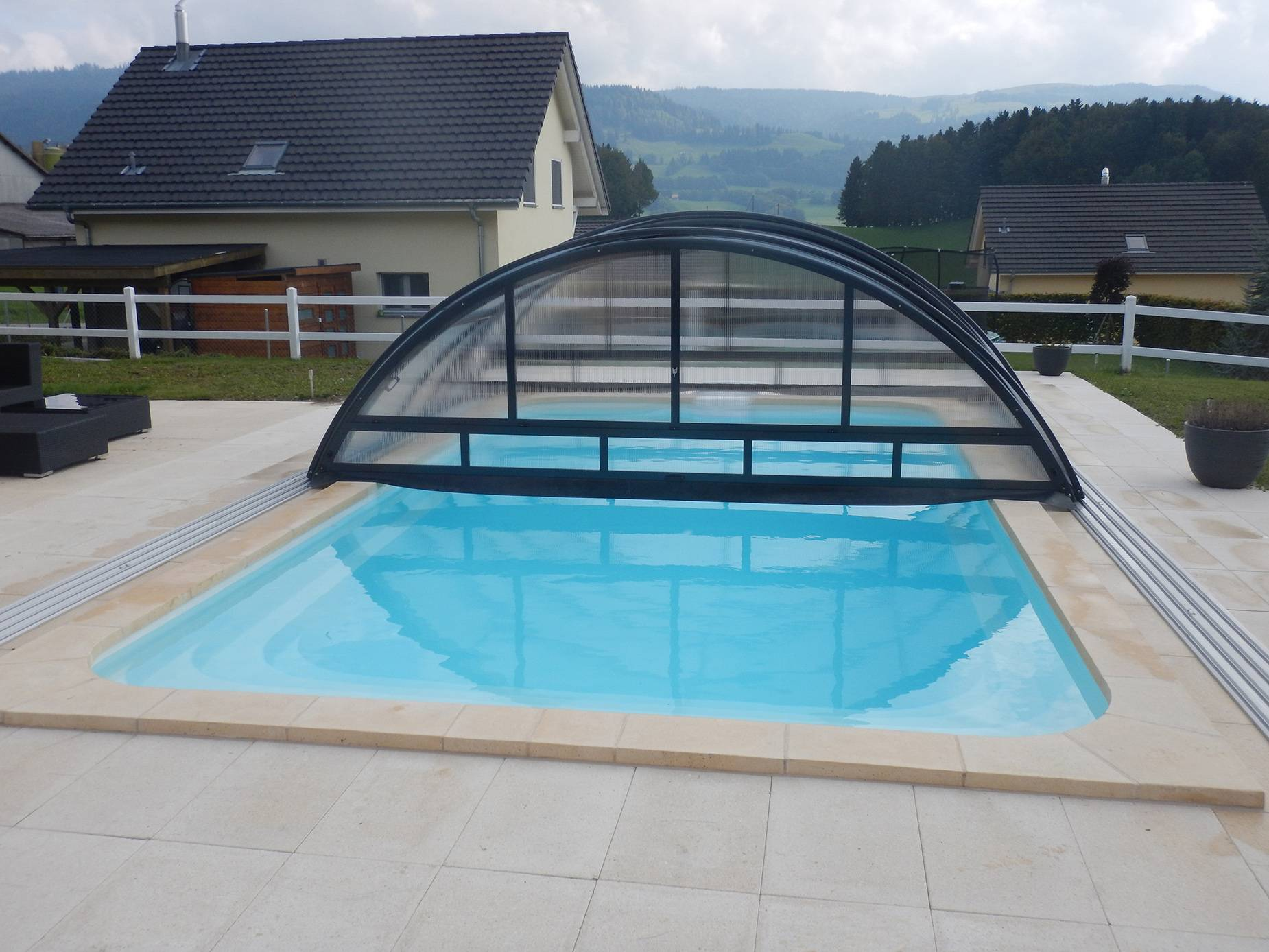 Piscine Composite Déclic R800 BF installation Vienne