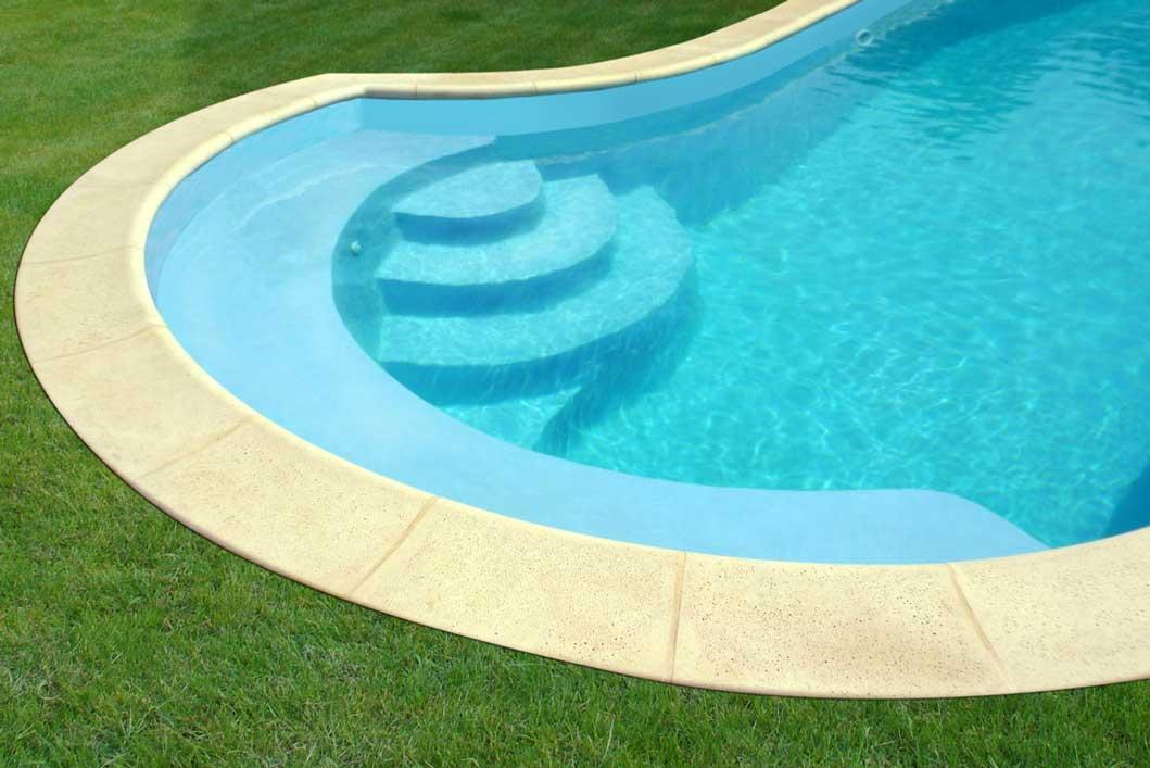 Piscine Eden Poitiers pisciniste coque Polyester